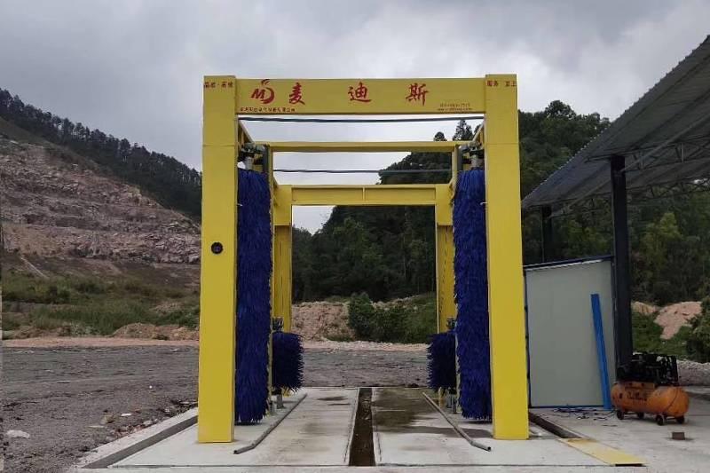 广州省中山市华乐汽车旅游有限公司通道式4刷巴士洗车机安装案例