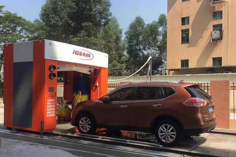 广东省东莞市龙门往复式五刷洗车机安装案例