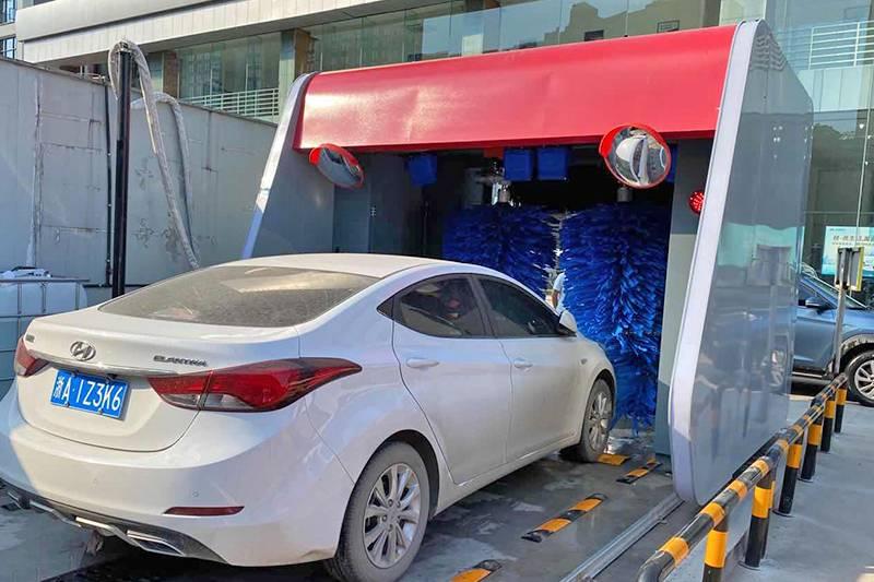 浙江杭州往复式5刷洗车机安装案例