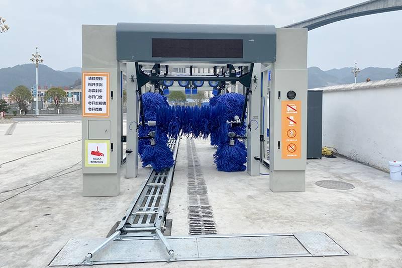 江苏盐城隧道式洗车设备安装案例