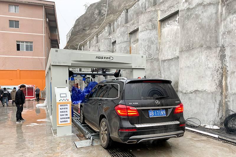 重庆巫山县隧道式洗车机安装案例