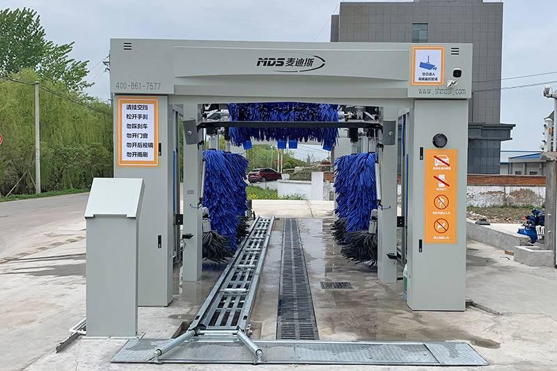 2021款隧道式洗车机安装案例